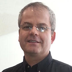 Stefan Gruescu headshot